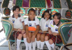 12092012 MáXIMA DIVERSIóN . Vania, Azalea, Marisa y Denisse.