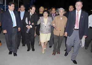 12092012 GUILLERMO  Contreras, Ricardo Ruiz, Ignacio Méndez, Carmelita Salinas, Roberto Salinas y Donato Gutiérrez.
