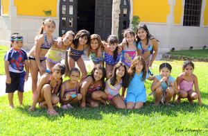 16092012 AMIGUITAS  del colegio, acompañando a Mary Jose y Ariana en su fiesta de cumpleaños.