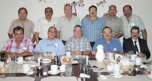 16092012 REUNIóN.  Exalumnos del Instituto Francés de La Laguna, generación 1967-1970 de secundaria, disfrutaron de grata convivencia.