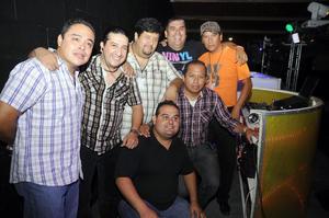 17092012 DJ  Ary, Tulín, Dj Mena, Dj Poly, Dj Lalo, Dj Pako y Dj Tole.