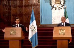 """El  gobernante guatemalteco expresó que coincidió con Peña Nieto en que hay que propiciar una relación bilateral más profunda, puesto que """"la relación entre Guatemala y México es de una agenda extensa""""."""