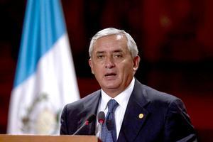 """Pérez Molina dijo a su vez que seguridad y migración fueron """"los grandes temas"""" que abordó en la reunión con Peña Nieto y en la sesión de ministros con el equipo de transición del futuro gobernante mexicano."""