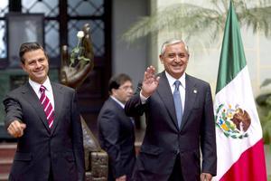 Pérez Molina y Peña Nieto se reunieron en el despacho presidencial del Palacio Nacional de la Cultura, antigua sede del gobierno nacional, ubicado en la céntrica zona uno de la ciudad de Guatemala.