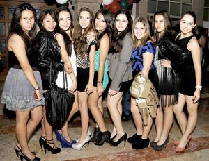 18092012 LAURA , Miranda, Oyuki, Paulina, Zulema, Daniela, Itzel, Karla y Gaby.
