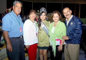 18092012 EN LA FERIA. Toño, Perlita, Marcela, Chepis y Raúl.