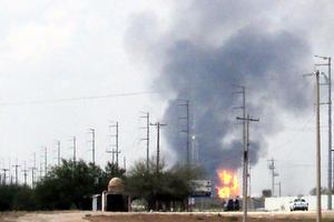 El accidente, ocurrido aproximadamente a las 11:00 horas, se registró en el Centro Receptor de Gas y Condensados, en el kilómetro 19 de la carretera Reynosa-Monterrey.