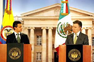 """Reiteró que la experiencia de Colombia para reducir los índices de inseguridad ha sido """"exitosa"""", por lo que pidió a Santos mantener la cooperación a México en los esfuerzos que hará su gobierno por devolver la tranquilidad a los mexicanos."""