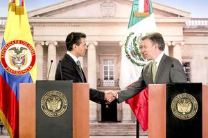 El mandatario colombiano, Juan Manuel Santos, y el presidente electo de México, Enrique Peña Nieto, se comprometieron a mantener y fortalecer la lucha contra el crimen trasnacional, así como la Alianza del Pacífico, bloque económico al que ambos países pertenecen.