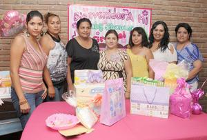 19092012 CAROLINA  Flores de Pérez acompañada en su fiesta prenatal de Alma, Paty, Diana, Thania, Mariana y Guadalupe.