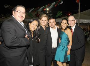 20092012 FESTEJO DE INDEPENDENCIA.  Toño, Norma, Laura, Ernesto, Perla y Eduardo.