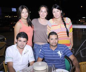 23092012 LIZ  Salas, Karla Preseda, Montserrat Palomares, Carlos Castillo y Uziel Castillo.
