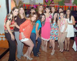 24092012 Prenupcial. Betty Puentes Soto junto a las asistentes a su despedida de soltera, organizada por su mamá Graciela Soto.