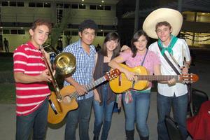 24092012 MOISéS , Gerardo, Andrea, Andrea y Yomel.