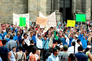 La Secretaría de Seguridad Pública del Distrito Federal (SSPDF) reportó saldo blanco durante la marcha que realizaron diversas organizaciones sindicales para protestar contra la reforma laboral que se procesa en la Cámara de Diputados.