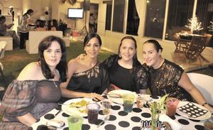 26092012 FESTEJAN CUMPLE.  Ana Paula, Ana Lucía, Lorena y Sarah.