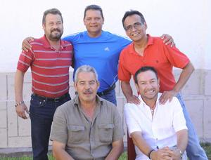 27092012 JOSé  de la Cueva, Miguel Ávalos, Javier González, Mario Méndez y Andrés Gilbert.