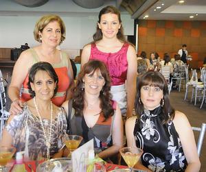 30092012 EN PRENUPCIAL.  Priscila, Melvis, Laura, Sofía y Margarita.