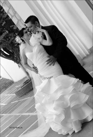 LRH TANIA Esperanza Macías Padilla y MBA Clodoaldo Benigno Galván Allende, el día ocho de septiembre de 2012, unieron sus vidas en matrimonio.- Susunaga Fotografía