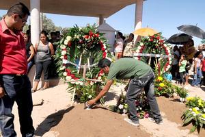 Las familias Adriano López, Landeros Jiménez, Valero Rodríguez, Escareño Recio y Montoya Álvarez, están de luto, pero la tragedia consternó a todo el municipio.