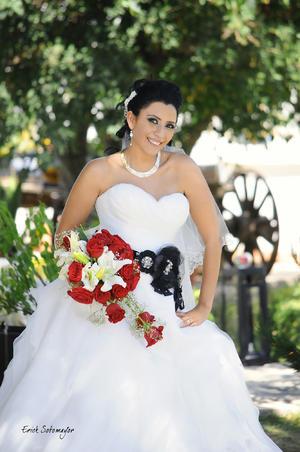 LIC. JUANIS Abularach Nevárez el día de su boda con el Arq. Jesús Gerardo Dovalina Romero.- Érick Sotomayor Fotografía