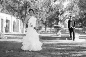 SRITA. LAURA Patricia Solís Macías, el día de su boda con el Sr. Salvador Ernesto Chavarría Ramos.