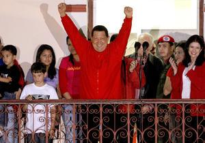El presidente de Venezuela, Hugo Chávez, fue reelegido, por tercera vez desde que llegó al poder en 1999, y el próximo 10 de enero comenzará su nuevo mandato de seis años, que finalizará en 2019.