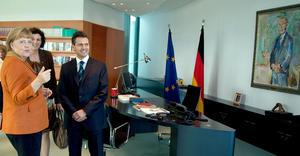 Peña Nieto reconoció el liderazgo político que la canciller ha tenido para apoyar y resolver la crisis financiera por la cual atraviesa la comunidad europea.