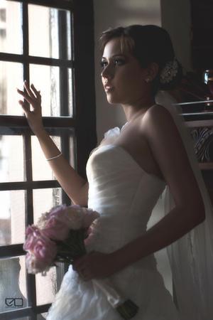 Srita. Giovanna Jáuregui Rimada el día de su boda con Sr. Kenny Martínez Quiñónez.- Edmundo Isais Fotografía.