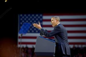 El presidente Barack Obama conservó  el apoyo del voto latino que había obtenido en 2008 al mantenerse en 69% frente a su rival republicano Mitt Romney, según encuestas de boca de urna que estimaron la participación de votantes hispanos en 10% del total de electores.