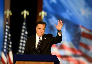 El candidato republicano Mitt Romney expresó  esperanzas de que el presidente Barack Obama tenga éxito en solucionar los problemas de la nación, al admitir su derrota en las elecciones ante el mandatario.