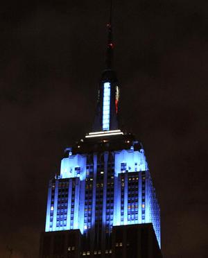 El mítico Empire State Building se tiñó de luz azul  con la victoria de Barack Obama sobre el republicano Mitt Romney en la intensa disputa por la Casa Blanca.