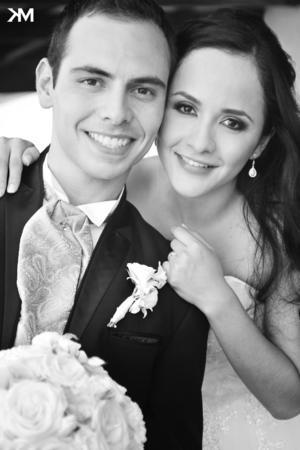 GERARDO ALFONSO Rodríguez Adame y Valeria Alejandra Quiroga Cháirez, el día de su boda.- Estudio KM