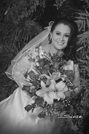 SRITA. Luz María Valles Cepeda el día de su boda con el Sr. Efrén Favela García.- Studio R. Sosa