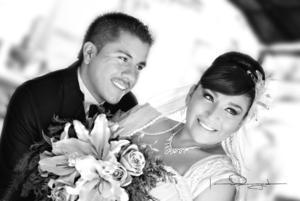 GONZALO ALBERTO Villanueva Martínez y Janeth Selene Yáñez Martínez unieron sus vidas en matrimonio.- Laura Grageda Fotografía
