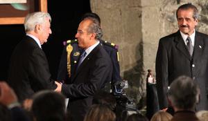 A la ceremonia  se dieron cita integrantes de la comunidad cultural,donde  el Premio Nobel de Literatura 2010 elogio la vida y obra de quien fue considerado uno de los pilares de la literatura latinoamericana: Carlos Fuentes.