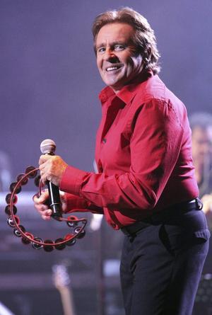 28 de febrero. Davy Jones, quien fuera líder y vocalista de la exitosa banda estadounidense de los años 60 The Monkees, falleció, a causa de un infarto, en Florida.