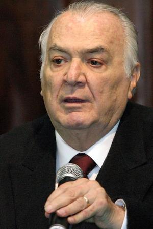 1 de abril. El expresidente Miguel de la Madrid murió a las 07:21 horas del 1 de abril en el Hospital Español del Distrito Federal. Quien gobernara México de 1982 a 1988, padecía enfisema pulmonar y enfrentó complicaciones renales.