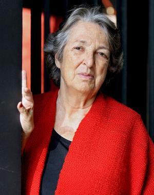 23 de julio. La editora y escritora Esther Tusquets falleció en un hospital de Barcelona a los 75 años.