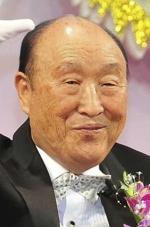 2 de septiembre. El reverendo Sun-Myung Moon, fundador de la Iglesia de la Unificación, falleció en un hospital de la capital surcoreana a los 92 años, por complicaciones de la neumonía que padecía, informaron fuentes de la organización religiosa.
