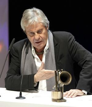 26 de noviembre. El compositor, intérprete y productor español Juan Carlos Calderón falleció a los 74 años de edad, a causa de una insuficiencia cardíaca.
