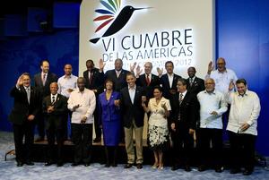 14 de abril. Colombia | La VI Cumbre de las Américas inició en el Centro de Convenciones de Cartagena, con la recepción de los participantes por parte del presidente colombiano Juan Manuel Santos, anfitrión de la cita hemisférica. Al cónclave asistieron unos treinta gobernantes del continente.