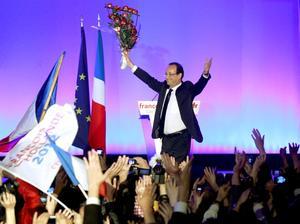 6 de mayo. Francia | El socialista Francois Hollande venció al mandatario saliente de Francia Nicolas Sarkozy y se convirtió en el presidente de Francia, proclamando que habrá un cambio en la forma en que Europa enfrenta su crisis de deuda y en la que el país ejercita su músculo diplomático y militar en todo el mundo.