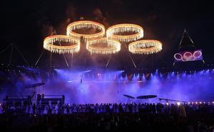 27 de julio. Londres 2012 | Un recorrido por el río Támesis, desde su cuna hasta su serpenteo por Londres, puso en marcha la ceremonia inaugural de los Juegos Olímpicos de 2012.