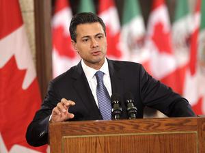 Peña Nieto afirmó que su gobierno impulsará una mayor integración con los países de América del Norte, que permita mejorar las condiciones de competitividad para la generación de más empleos, lo que constituye uno de los retos más importantes que ambos países tienen por delante.