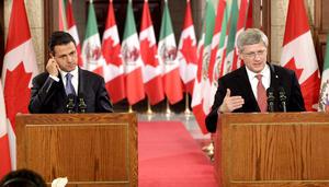 """En el cuarto de lectura del Parliament Hill, Harper consideró que la visita de Peña Nieto a Canadá, el último país de sus giras internacionales antes de tomar las riendas de México el sábado 1 de diciembre, """"es para nosotros un gran orgullo""""."""