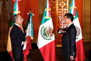 Con Peña Nieto, el PRI regresa al poder que ejerció durante siete décadas hasta el año 2000, cuando fue derrotado en las urnas por el Partido Acción Nacional (PAN), al que pertenecen Calderón y su predecesor, Vicente Fox.