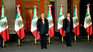 Enrique Peña Nieto asumió la Presidencia de México en el Palacio Nacional, sede del poder ejecutivo, de forma previa a la ceremonia solemne de toma de posesión que se efectuará más tarde ante el Congreso.