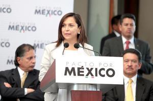 """La líder interina del PRI, Cristina Díaz, señaló que 'con este pacto se va a conseguir importantes proyectos y acuerdos en beneficio del país""""."""