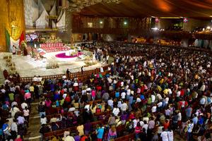 En la Básilica de Guadalupe se realizó una misa donde también se entonaron 'Las añanitas' a la Virgen.